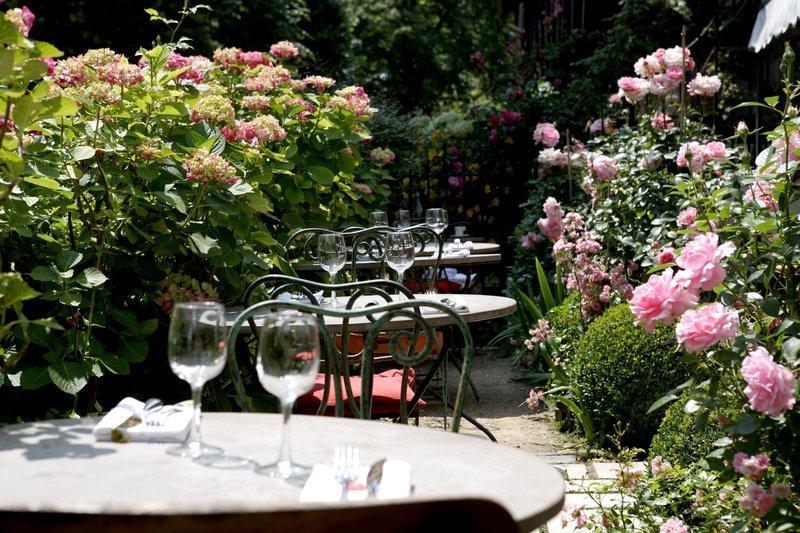 Terrace Le Café des Artistes