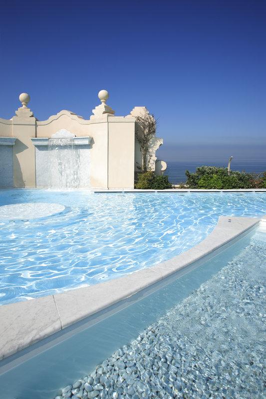 Panoramic Rooftop Pool