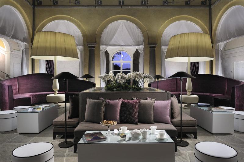 Main villa - The lobby