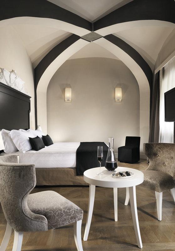 Main villa - Elegant room