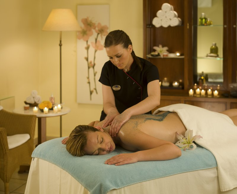 Olive oil Relief massage treatment