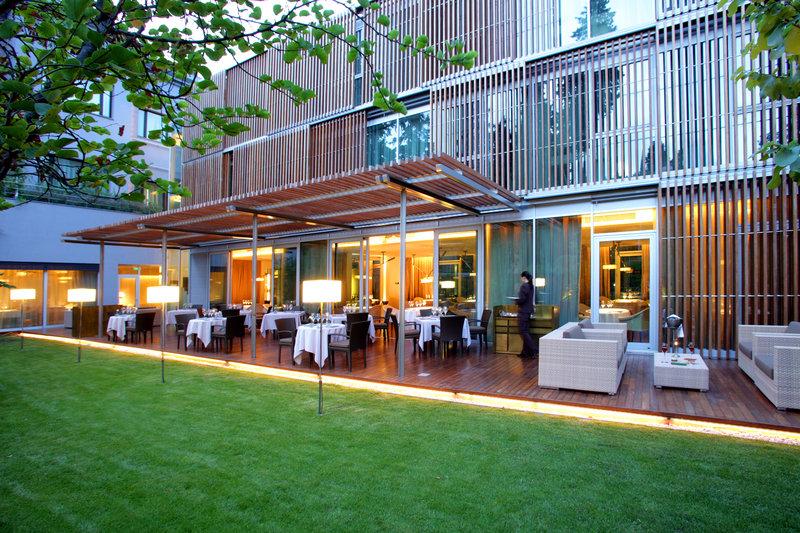 Restaurant Outdoor Terrace