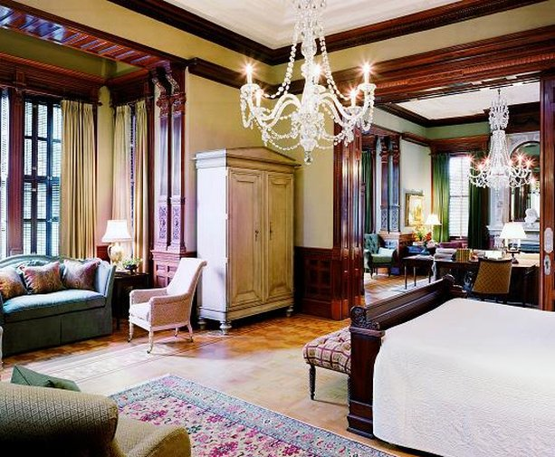 Grand Mansion Suite