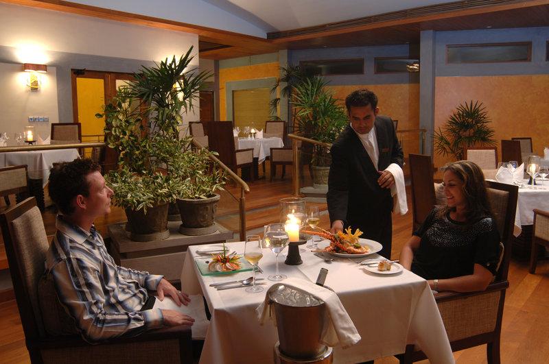 Fine Dining At Pavilions Restaurant