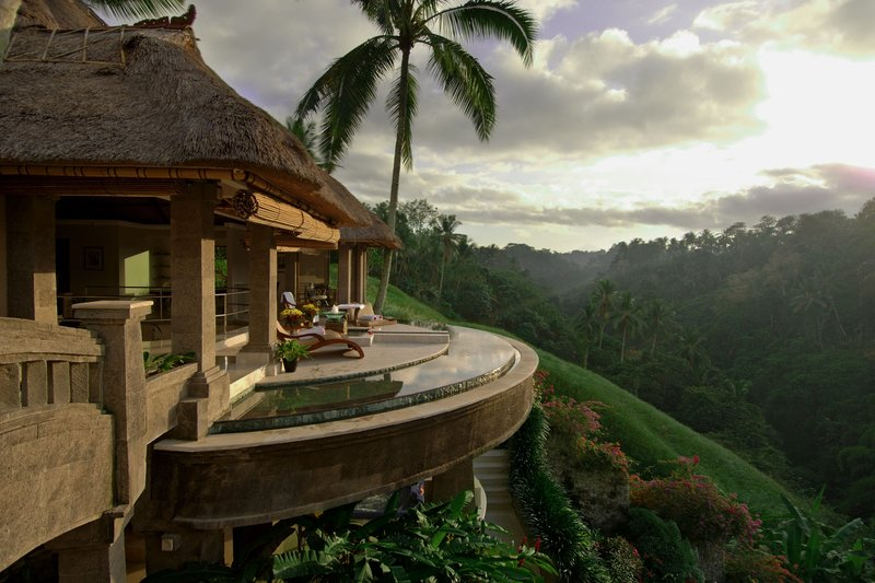 Hillside spa sanctuary with spectacular scenery