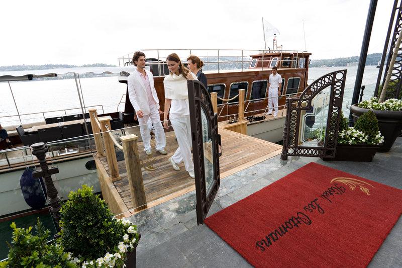 Les Ottomans Boat