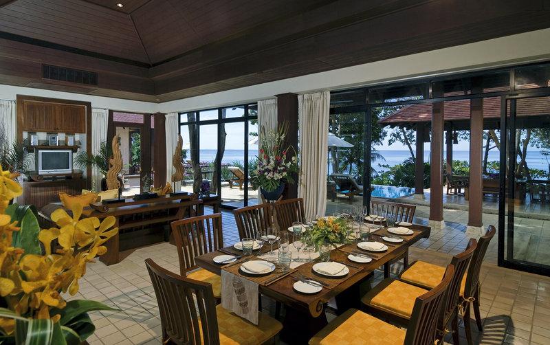 Beach Villa Three Bedrooms - Dining Room