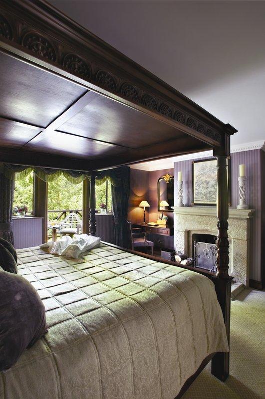 Henry VIII bedroom