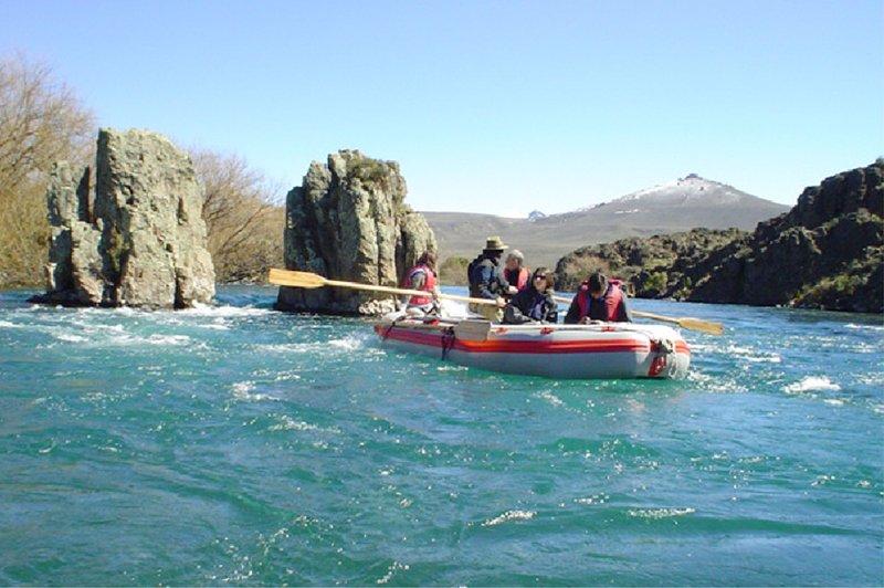 Rafting at the Limay River