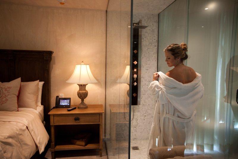 See Through  Spa Shower