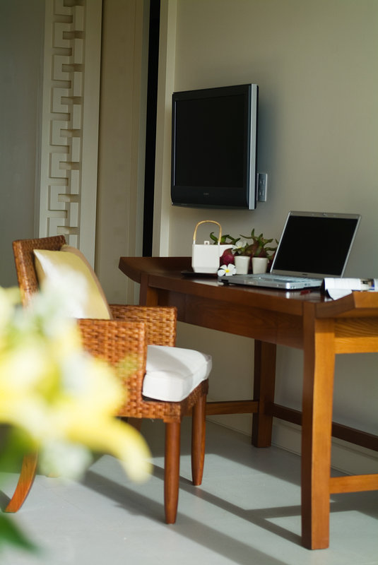 Mandarin Suite Working Table