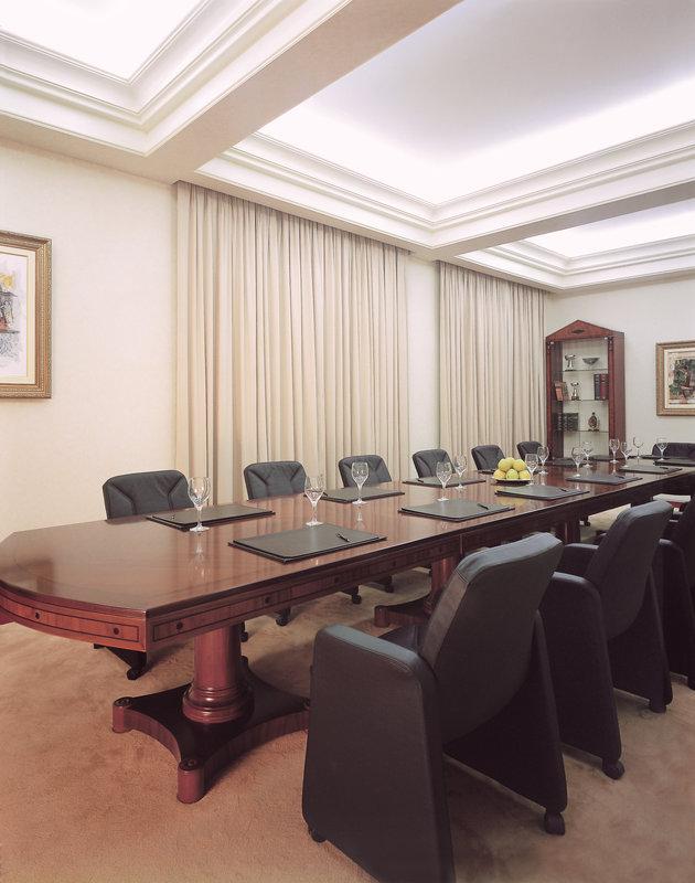 Theoxenia - Boardroom