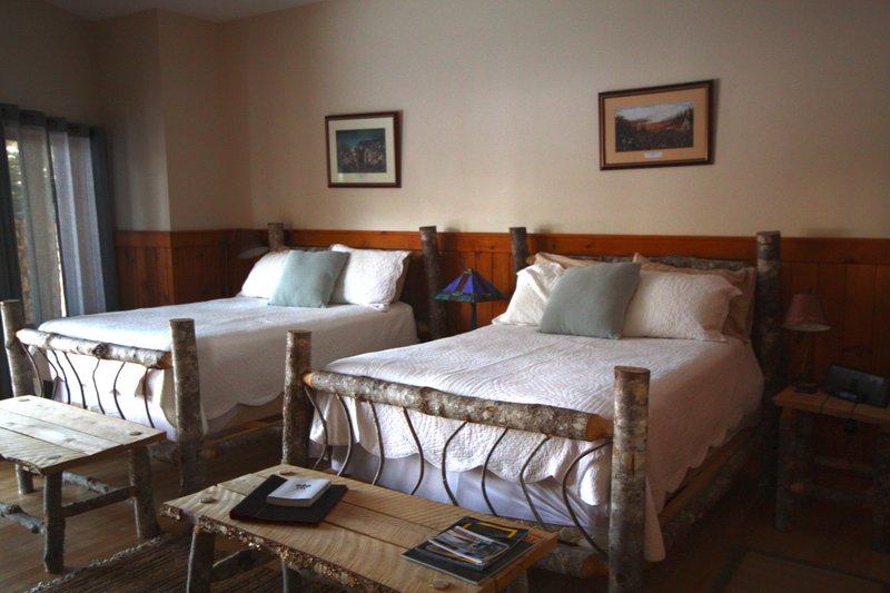 Island Meadow Room