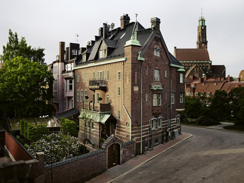 Early 20th-Century Townhouse