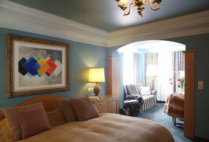 Junior Suite Deluxe Room