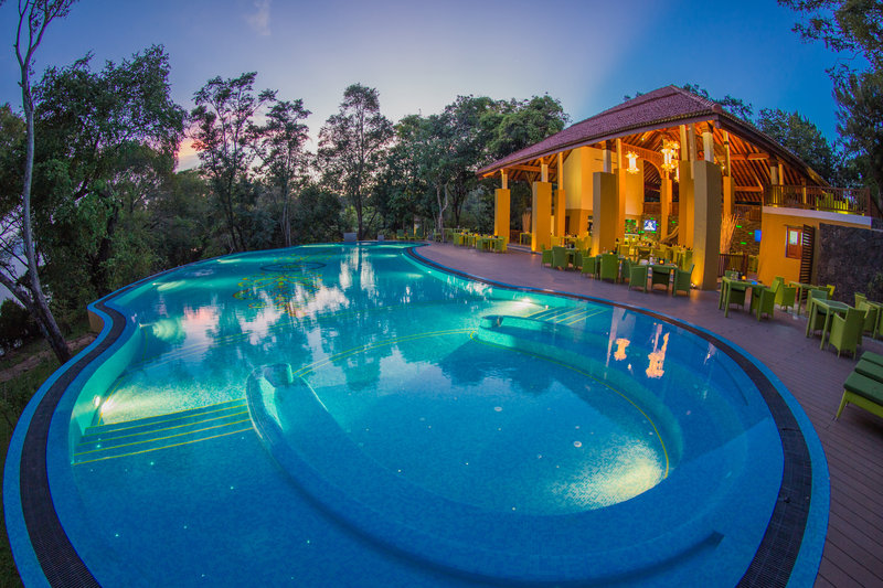 Resort infinty pool and exteriors