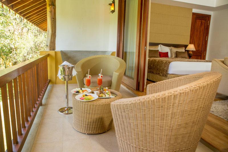 Luxury Villa - inroom dining