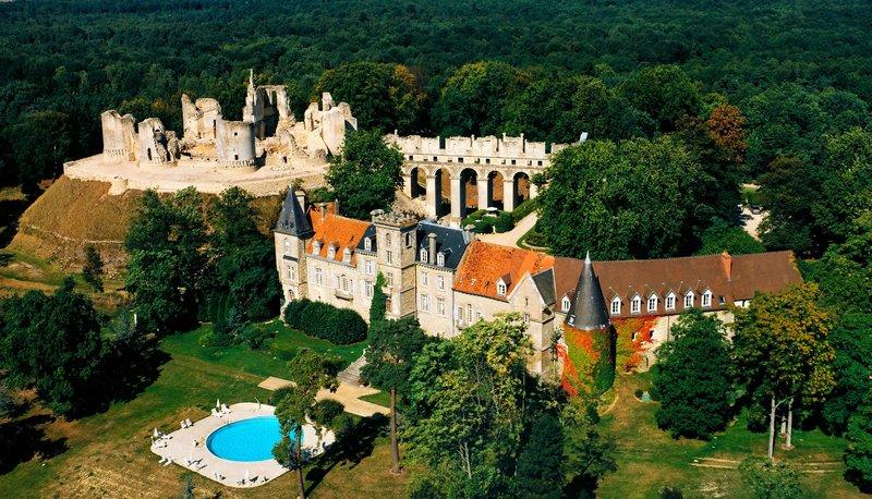 Chateau de Fere Panoramic View