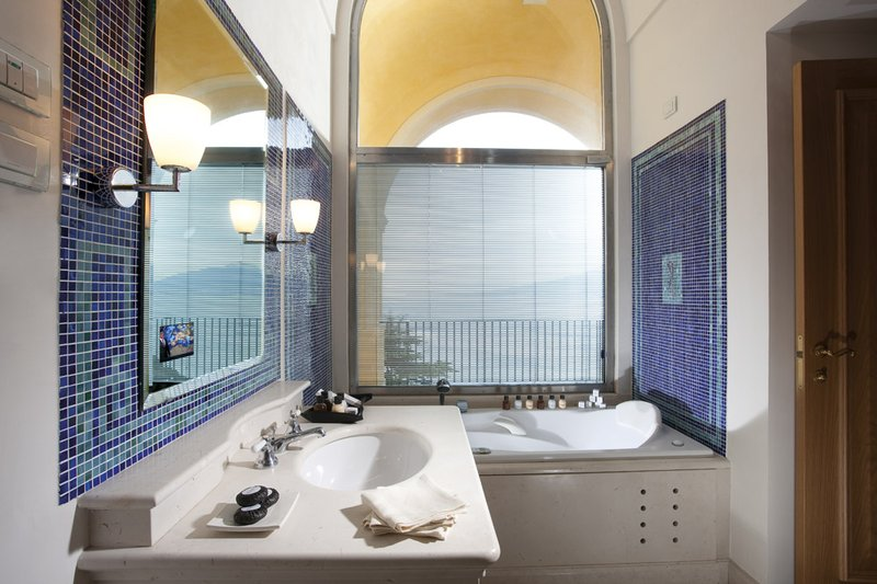 Junior Suite Toe Terrace Sea View Bathroom