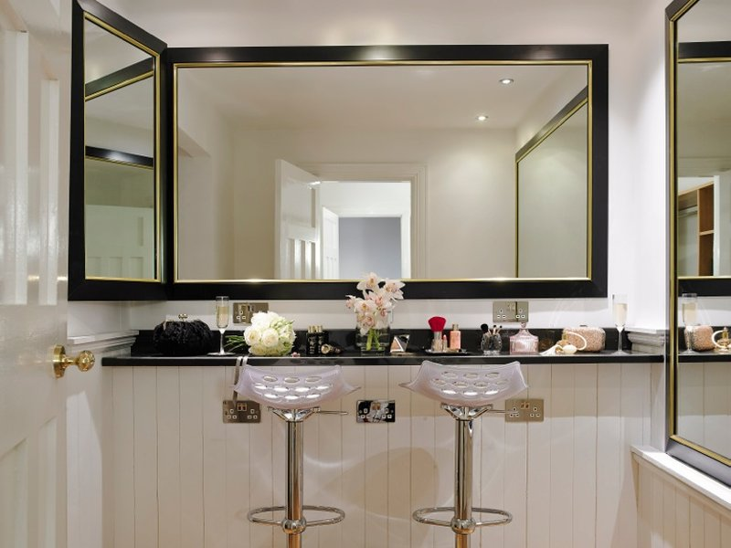 Hair & Make Up Area In Bridal Suite