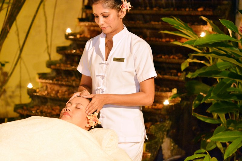 Under a starry twilight sky with Spa Naturel