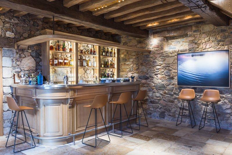 Longere Bar