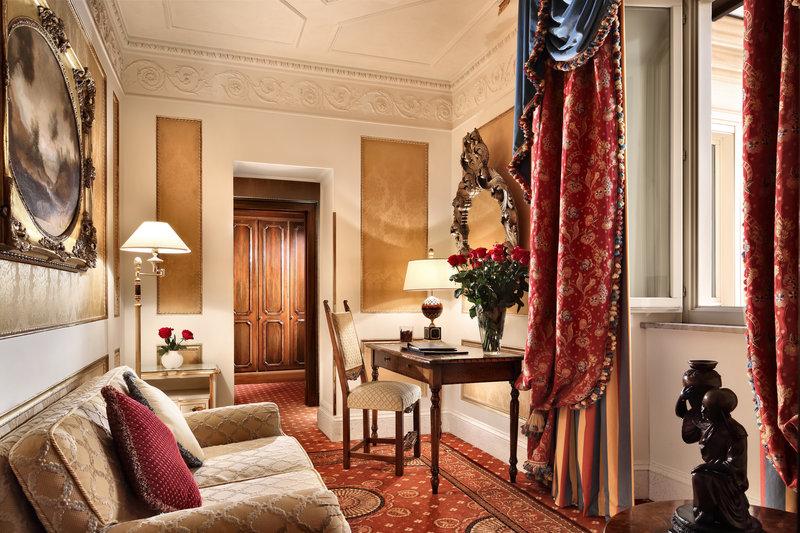 Junior Suite Deluxe Living Room