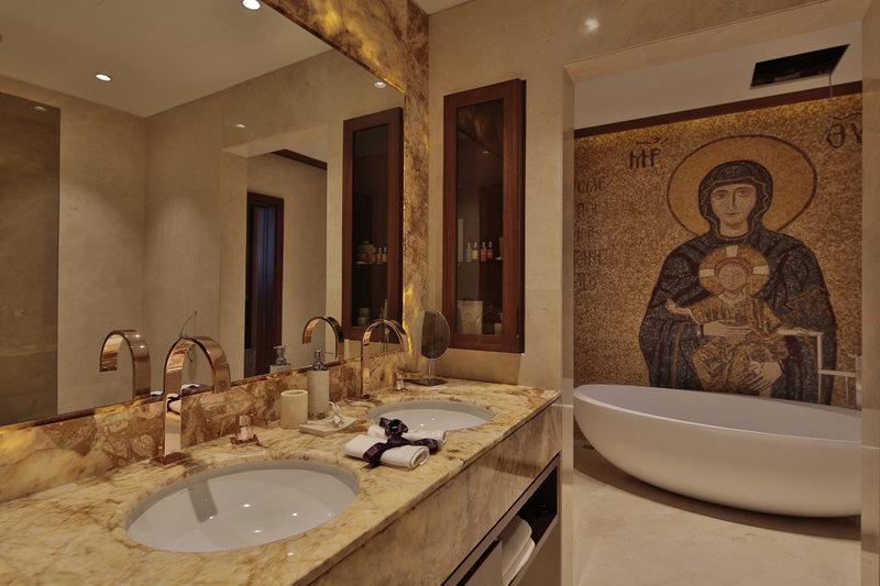 ISHTAR Guest Room