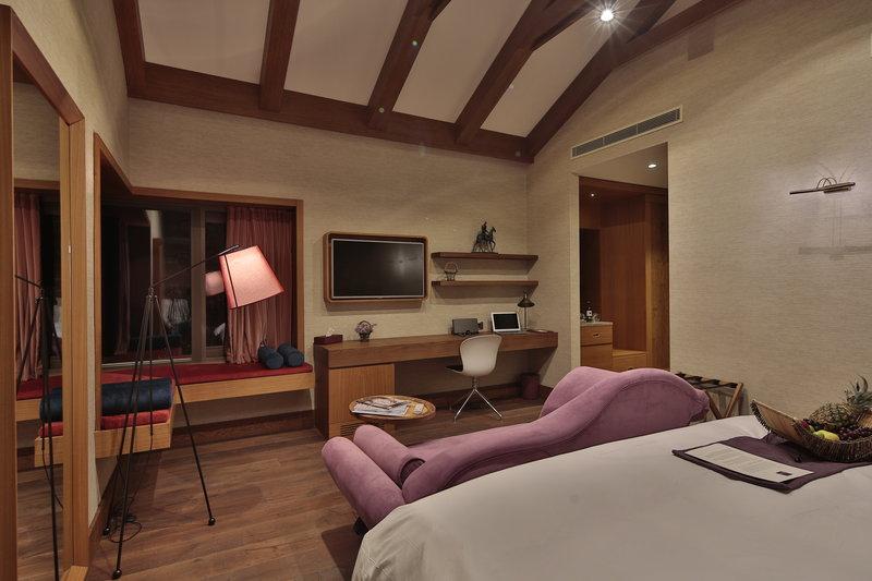 AJA-Loft Suite