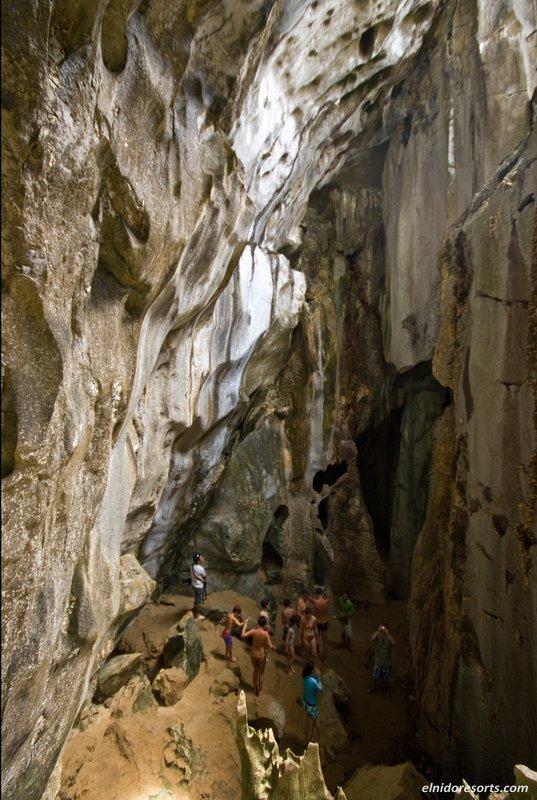 Explore Cudugnon Cave
