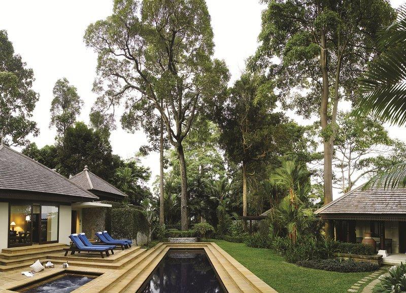 3 Bedroom Hilltop Estate - Pool
