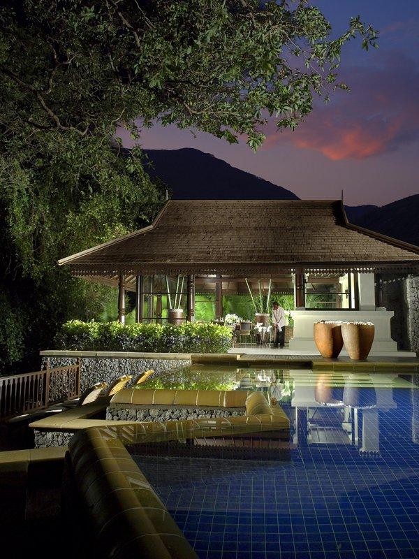 4 Bedroom Hilltop Estate - Dining Pavilion