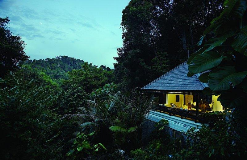 4 Bedroom Hilltop Estate - Exterior