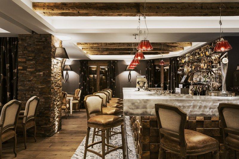 El Lodge Bar