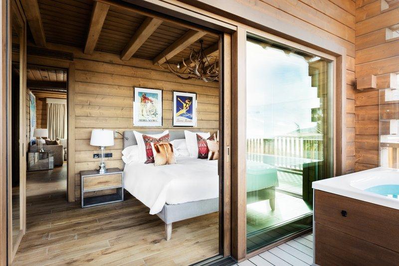 Corner Suite Terrace & Jacuzzi