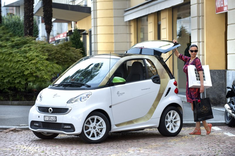 Complimentary Electric Smart Car