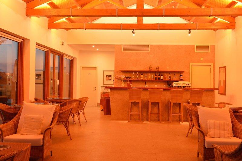 Bar  - Lounge Area