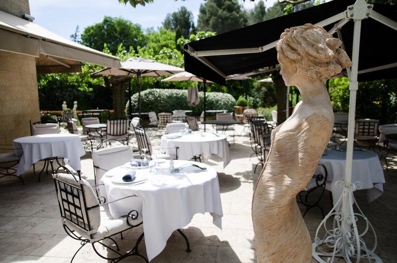 Outdoor Restaurant the Bistro