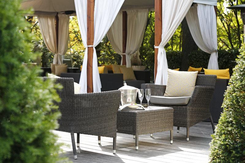 Garden Lounge Bar