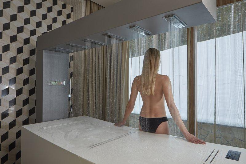 Libra Horizontal Shower