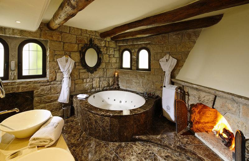 Deluxe Room with Jaccuzi and Fireplace