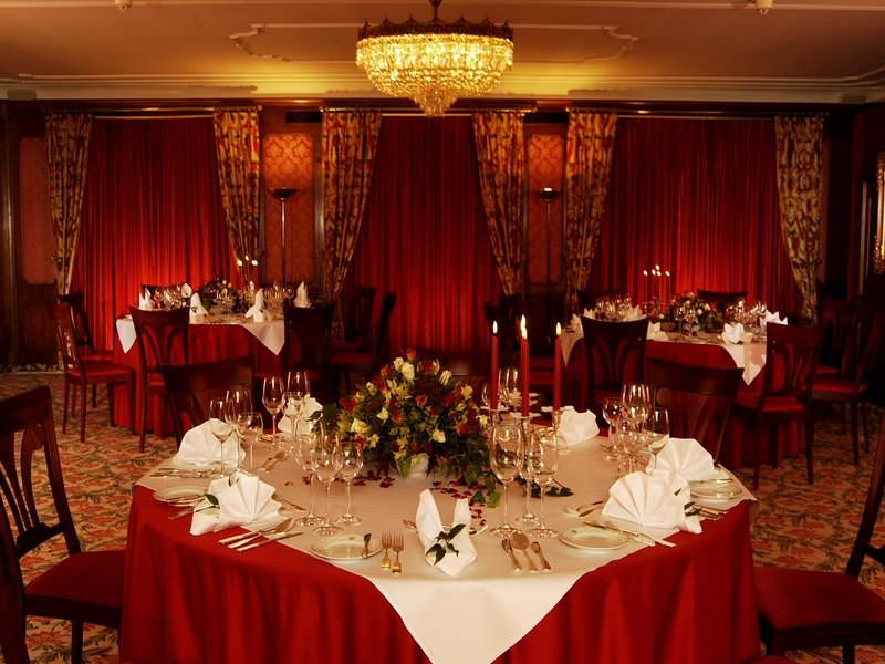 Banquets and Weddings
