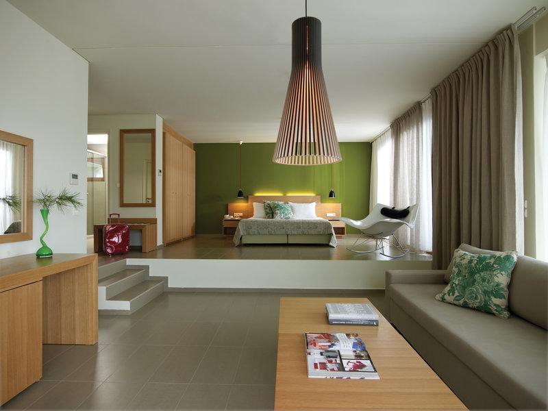 Thalatta Suite