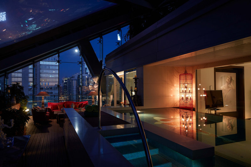 Deluxe Lagoon Suite Night