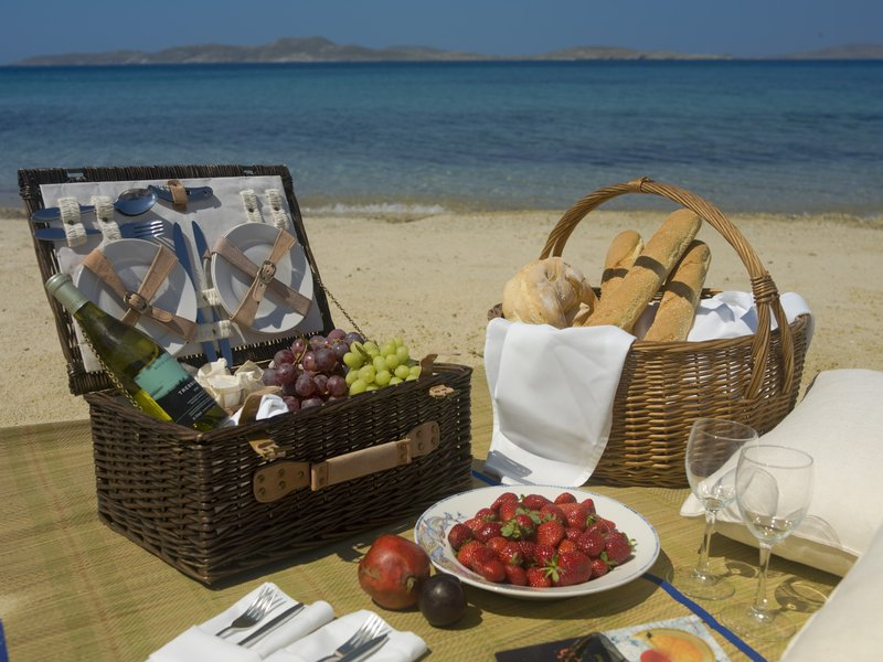 Picnic basket experience at Mykonos Grand