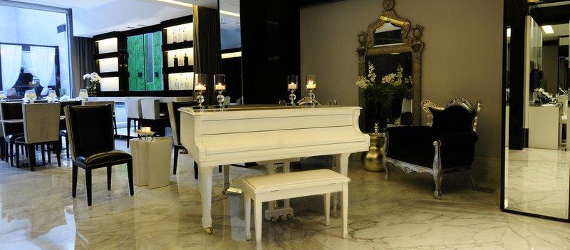 Elegant lobby lounge