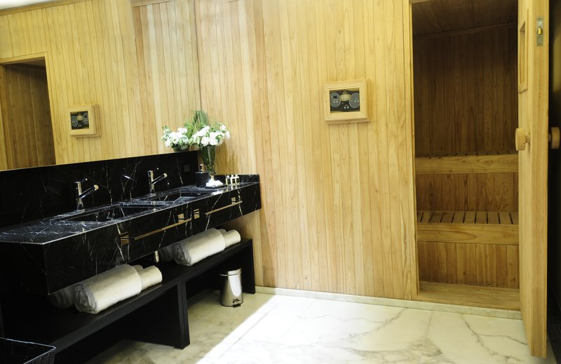 Purifying sauna sesion