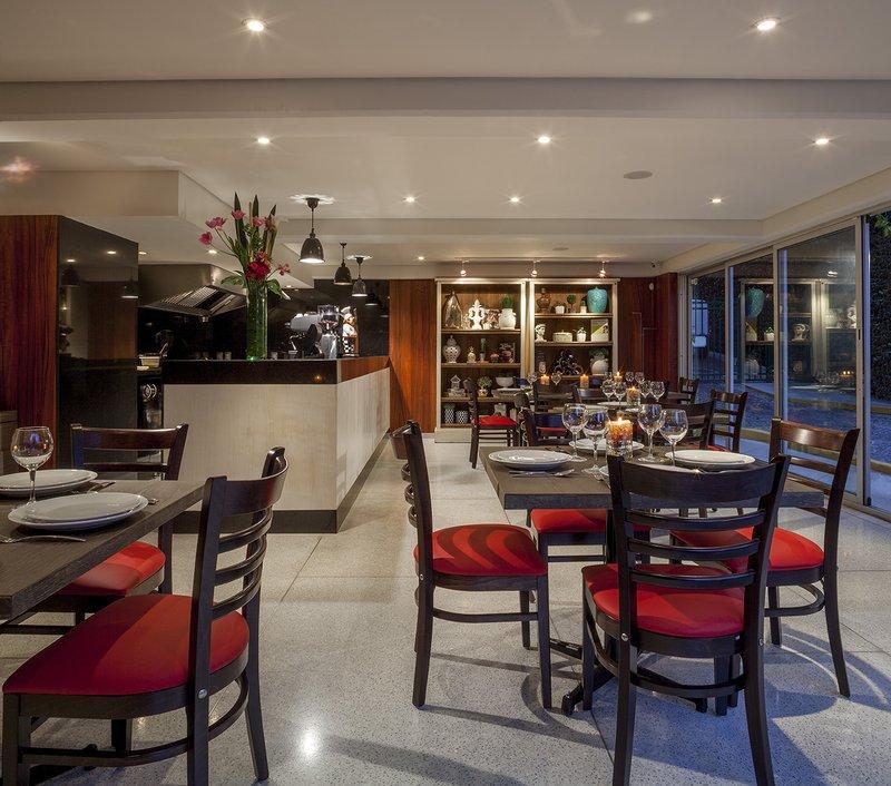 An Elegant Restaurant Luna Bistro