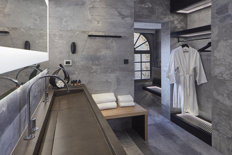 Bathroom Ilios Suite Private Pool