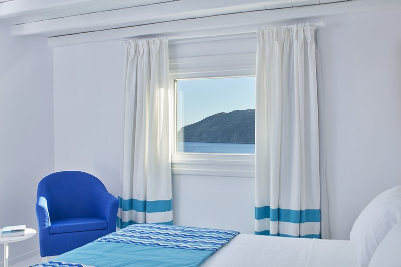Archipelagos Suite with outdoor jacuzzi